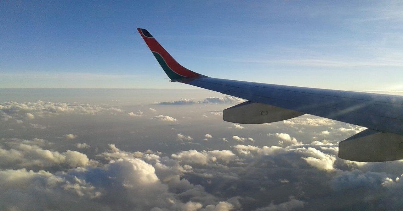 Aktuális nemzetközi repülőjárat helyzet - Kenya Airways a felhők felett